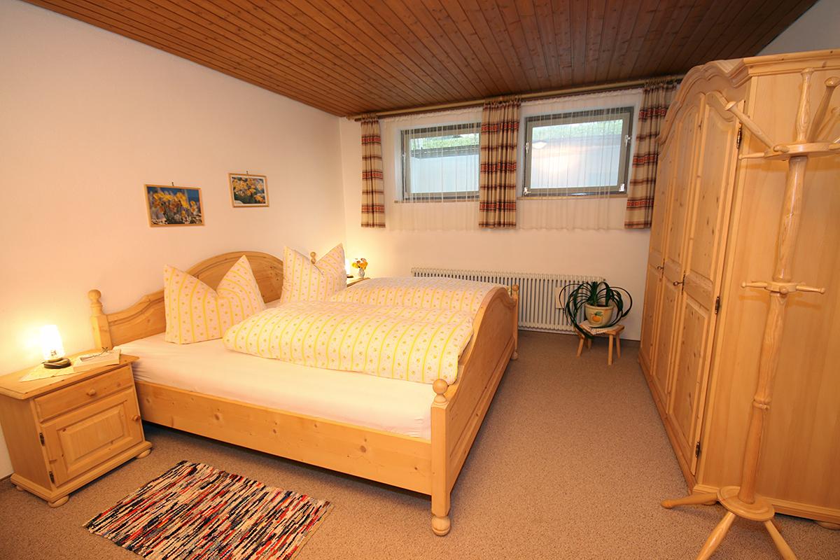 wohnung b renkopf haus margarethe in mittelberg im kleinwalsertal ferienwohnungen allg u. Black Bedroom Furniture Sets. Home Design Ideas